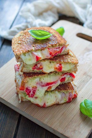 Roasted Pepper Grilled Cheese